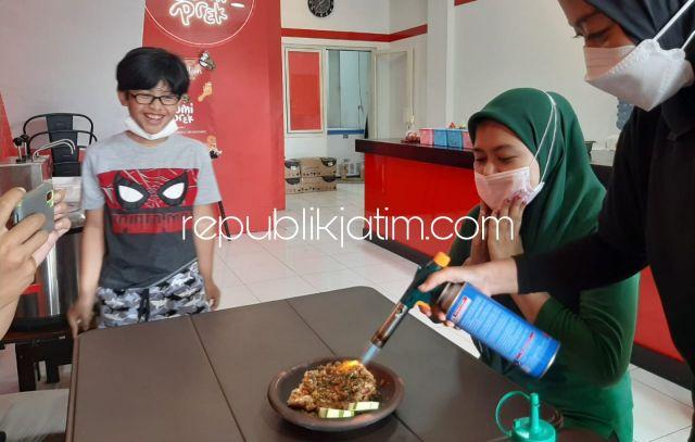Ayam Geprek Cobek Bakar Ala Restoran SomiPrek, Ambil Nasi Sepuasnya Harganya Tak Menguras Kantong